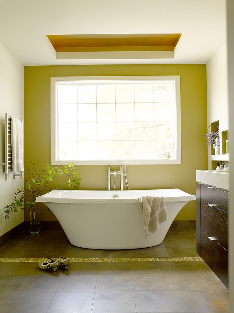 Natural-light-heightens-the-visual-effect-of-green-in-this-bathroom